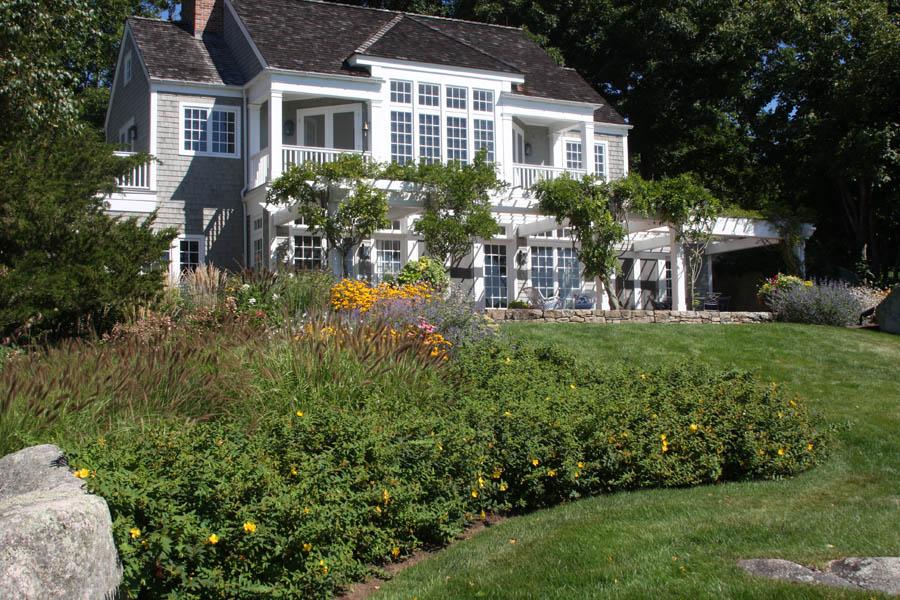 Design Team Landscape Architect: HMWhite. Architect: Austin Patterson  Disston Architects Building Contractor: Jamie Aluzzo, Builder, Inc.